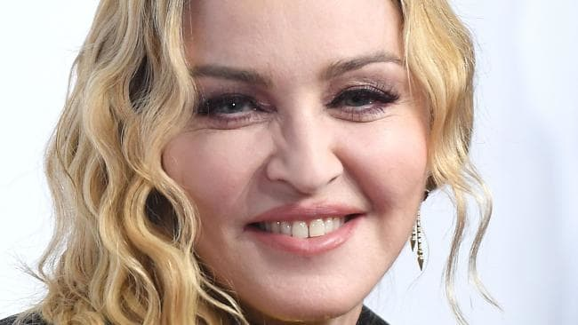 Madonna downplays boos at last-minute Paris gig