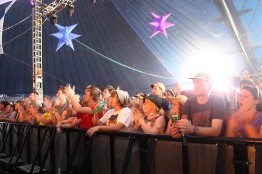 Crowds fill East Dance for Frankmusik